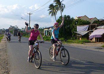 Voyage à vélo Vietnam : Aventure à vélo dans le Nord et croisière dans la Baie d\'Halong