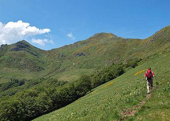 Trekking France : Authentique Cantal, volcans grandeur nature !